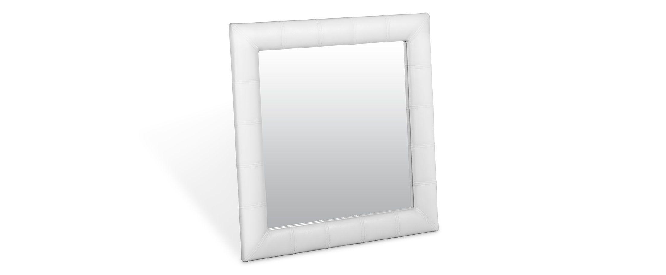 Зеркало Кааба квадратное марципанЗеркало навесное в спальню. Обивка из экокожи. Артикул: К000480<br><br>Ширина см: 86<br>Глубина см: 4<br>Высота см: 86<br>Цвет: Белый