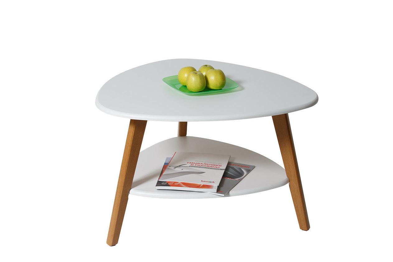 Журнальный стол Джинлонг Модель 579На ряду с простыми формами и достаточно лаконичным дизайном, двойная столешница из МДФ делает его очень функциональным